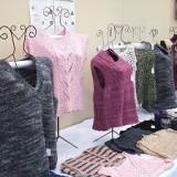 編み物同好会による編み物作品(販売品)